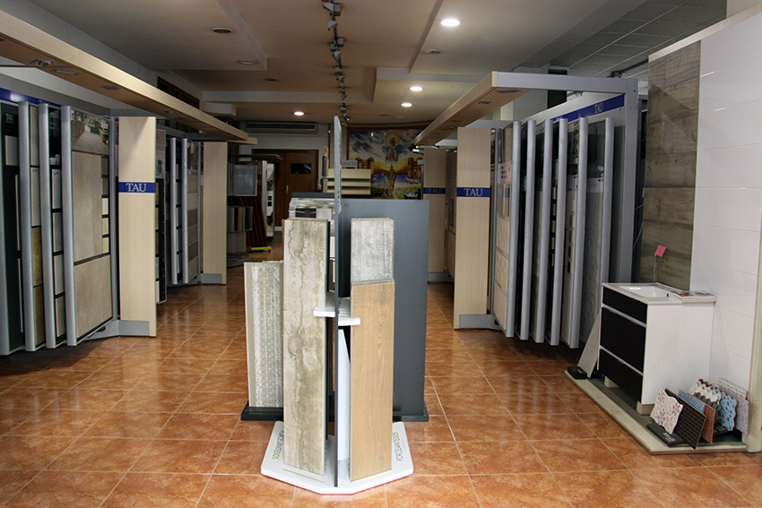 Exposición de azulejos, pavimentos y revestimientos en DANIEL GARCÍA, SL.