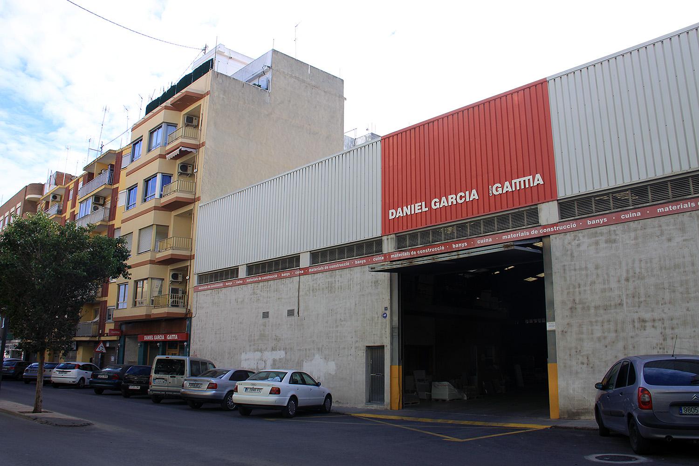 fachada-tienda-almacen-daniel-garcia-sl